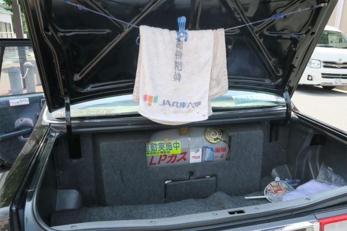22_タクシーにもJA兵庫六甲のタオルが!