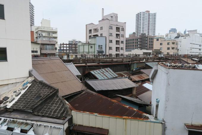 11_ムンバイっぽい旦過商店街の屋根