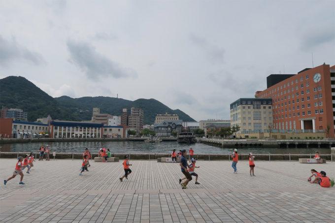 18_YMCAの子どもが遊んでいます