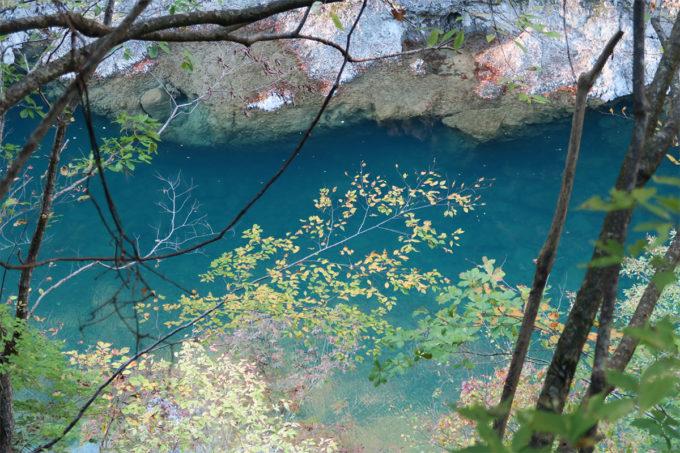 61_やっぱり青い川