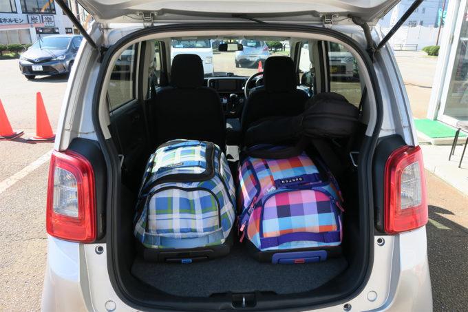 06_レンタカーに荷物を積み込みGO