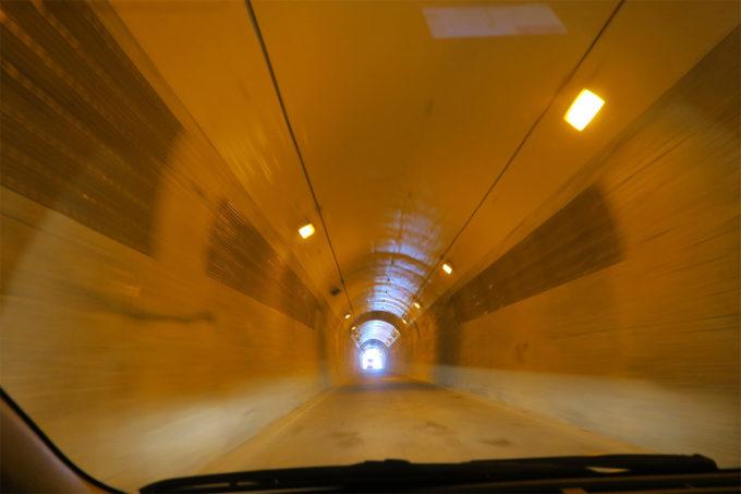 54_ワープするようなトンネル