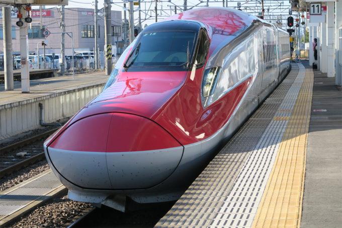 32_新幹線が入ってきます