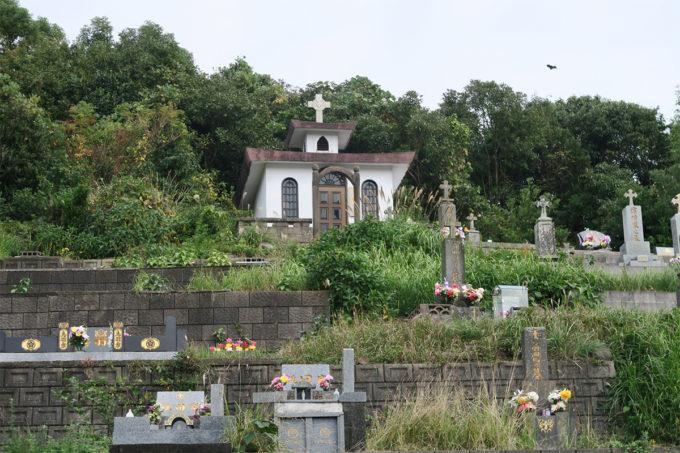 04_教会の横のお墓