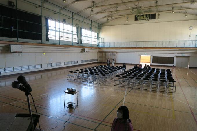 03_豊洲小学校の体育館です