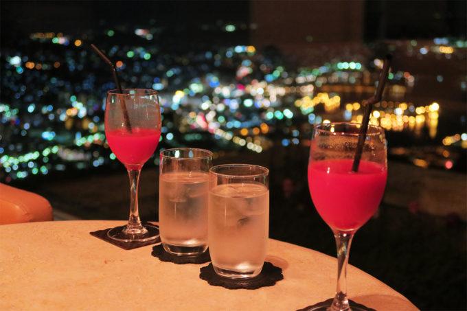 35_乾杯!(トマトジュースとお水で)