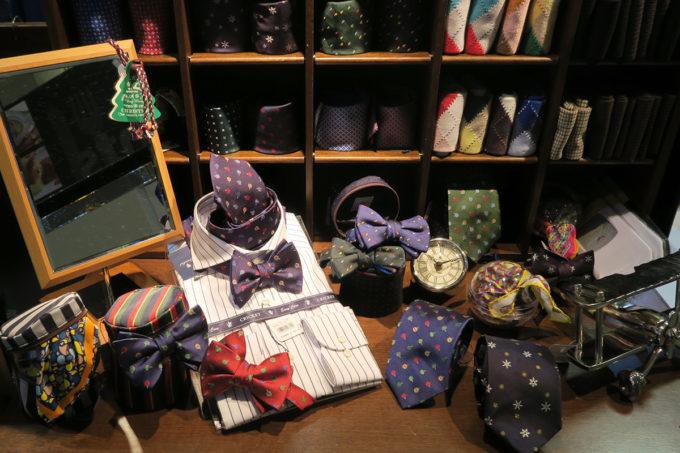 33_ナオヒロの蝶ネクタイをたくさん買いました