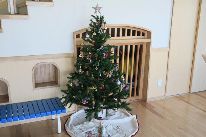 06_若葉保育園のクリスマスツリー