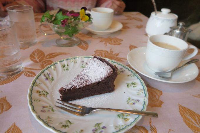 ケーキとコーヒーでゆっくりと