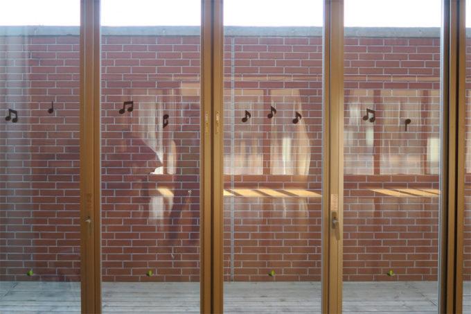 レンガを活かした外壁