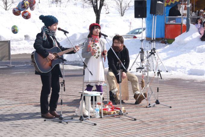 2010_雪まつりでの演奏