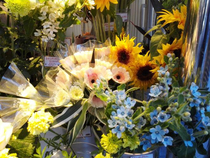 銀座四丁目のお花屋さん