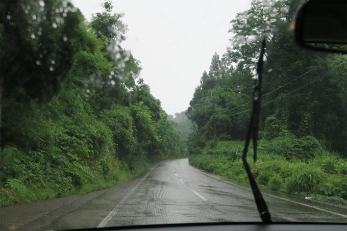 山道を通って小千谷市へ