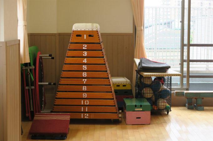 この12段の跳び箱を跳べる保育園児がいるらしい…