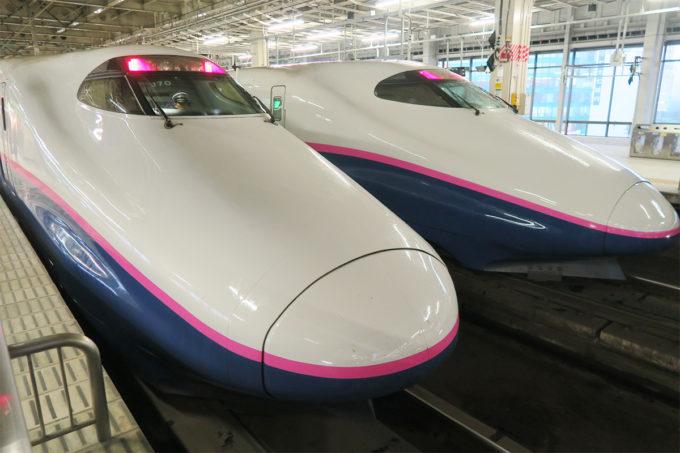 2台並んだ新幹線やまびこ