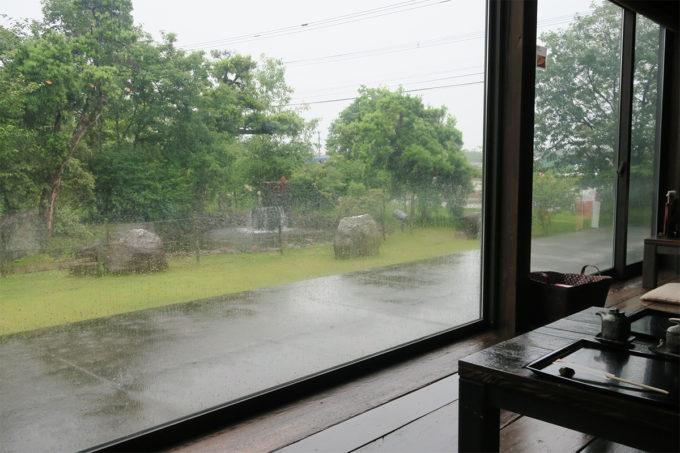 雨が止みませんね