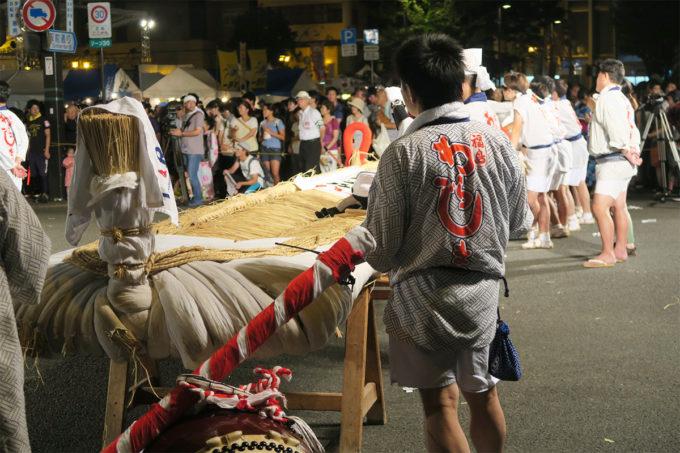 福島わらじ祭りの会場を後にします