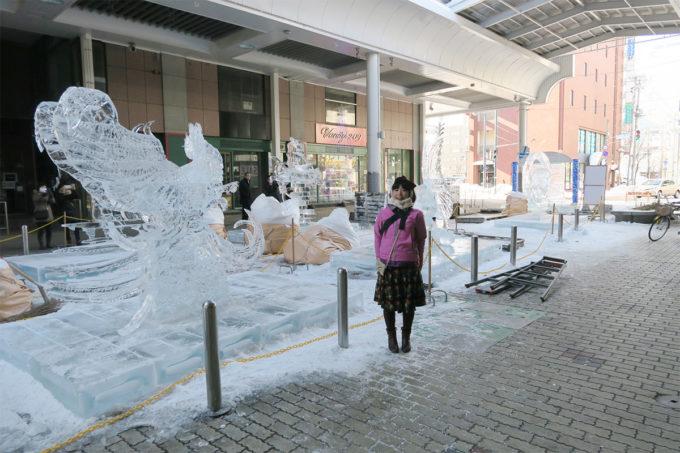 14_氷の彫刻とサヤカ