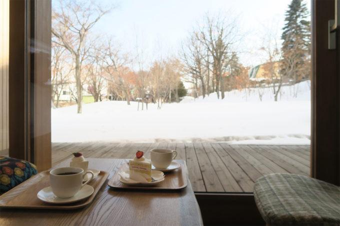 43_雪を見ながらショートケーキ
